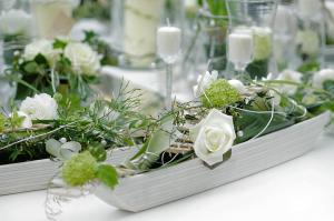 Wir unterstützen Sie gern bei Ihrer feierlichen Blumendekoration.